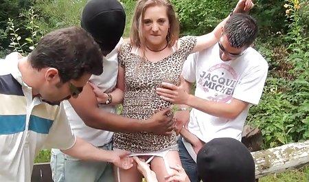 છોકરી અને એક નકલી પોર્ન વિશે પુખ્ત લોડો