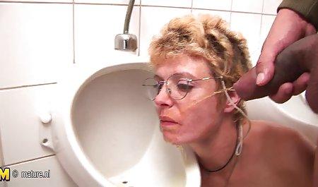 આ જુઓ પોર્ન સાથે પુખ્ત જુવાન વ્યક્તિ ઉપયોગ કરે છે તેમના કાકી લ્યુબ તેમના વાળ
