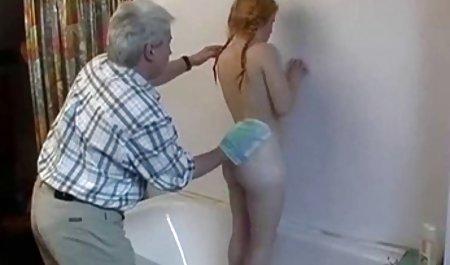યાન્કી અતીશય કામોત્તેજક છોકરી હજામત કરેલું એક છરી પોર્ન પુખ્ત સ્ત્રીઓ સાથે કમ