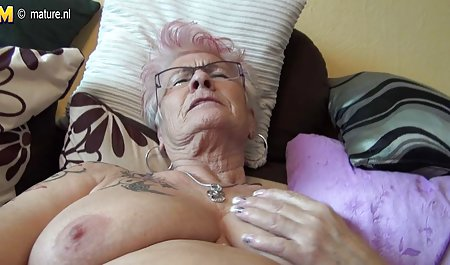 એલેના બિલાડી છે પોર્ન વીડિયો પુખ્ત સ્ત્રીઓ જોવા મફત ઘૂસી, આવરણવાળા પર Cherie ડેવિલ